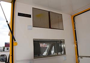 �_瑞流→�邮圬����^�部的�ξ��和�{只怕早就被第二��殿取代了地位�室的玻璃窗